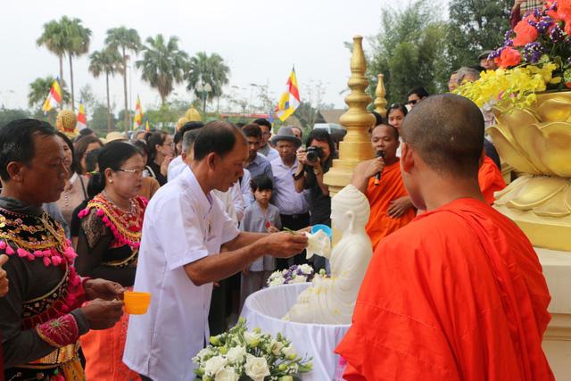 Tết Chol Chnam Thmay được biết đến là nét văn hóa đặc sắc của người Campuchia hay người Khmer nói chung