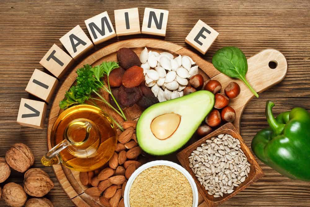 Vitamin E  được xem là nhân tố làm đẹp da, loại sạch mụn