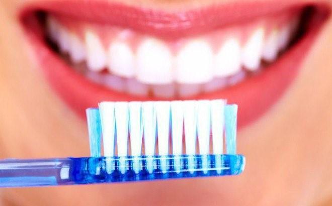 Nguyên nhân và cách chữa chứng buồn nôn khi đánh răng ảnh 5