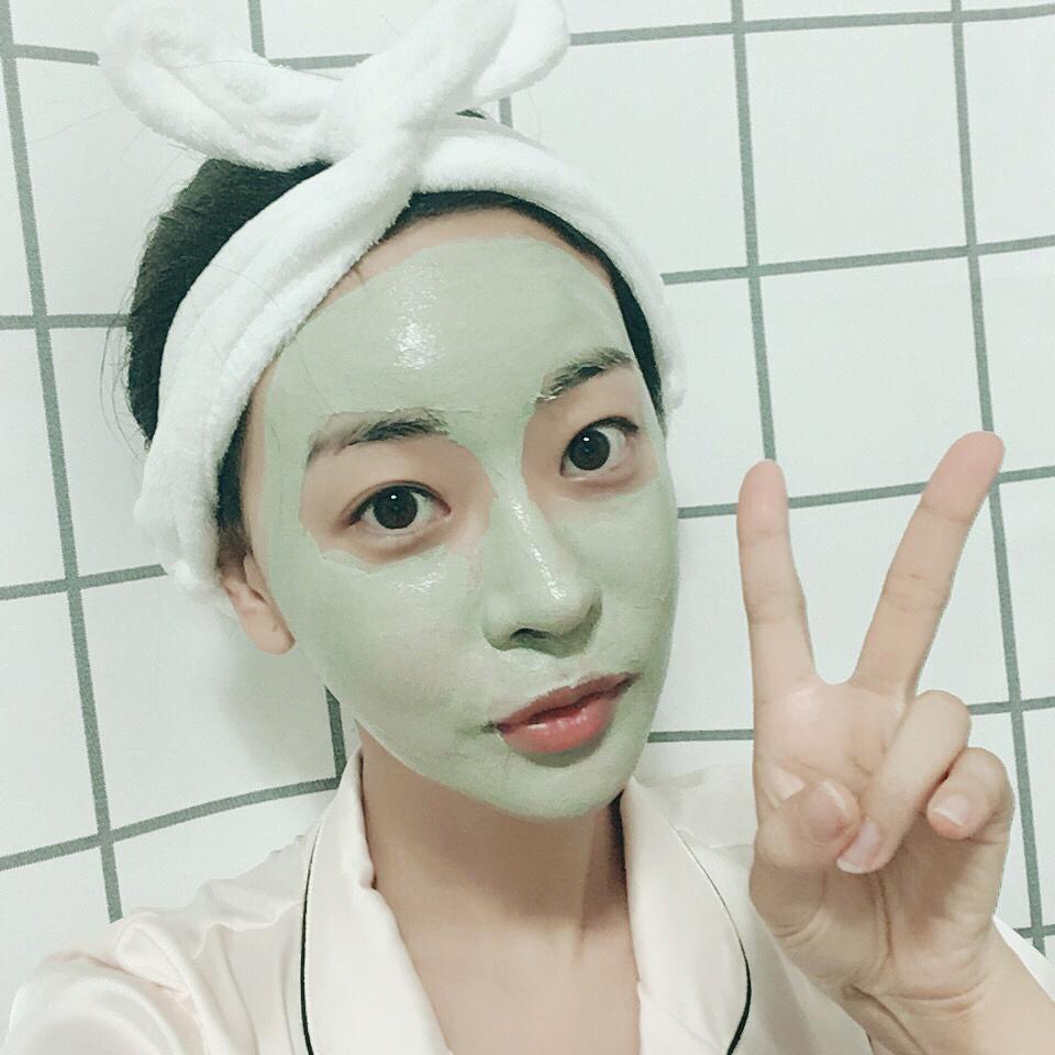 Đừng bỏ qua bước rửa mặt sau khi đắp mặt nạ, nhất là mặt nạ giấy để da mặt thoáng nhất