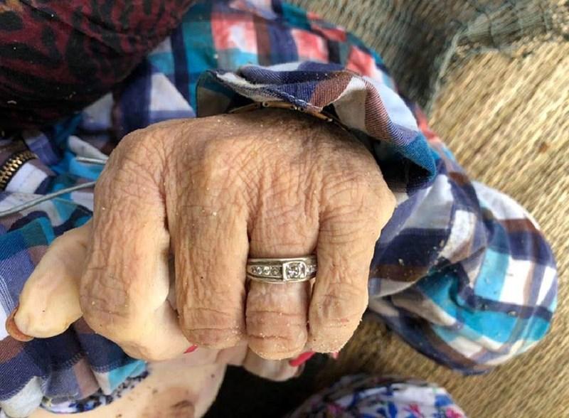 Phát hiện thi thể người phụ nữ bị trói chân tay, đầu trùm kín bằng ni lông - Ảnh 2