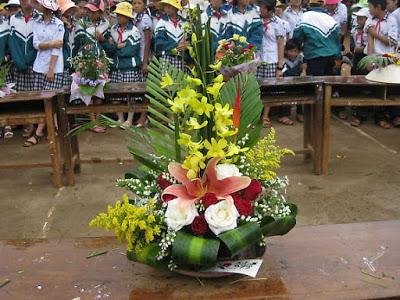 Bài cắm hoa dự thi ngày thành lập Đoàn 26-3 đẹp và thu hút