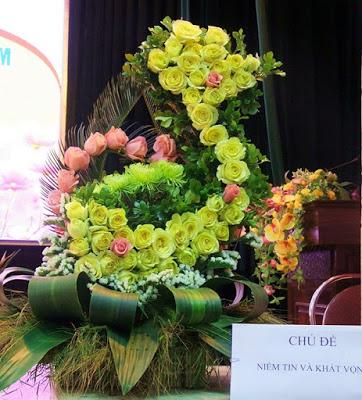 Bài cắm hoa dự thi Niềm tin và khát vọng đẹp và sáng tạo