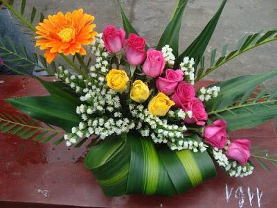 Bài cắm hoa dự thi đơn giản
