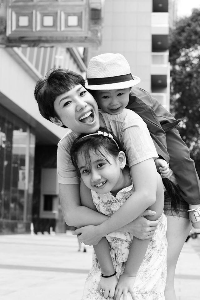 'Đánh ghế' dạy con và tư duy sai lầm của mẹ Việt - Ảnh 1