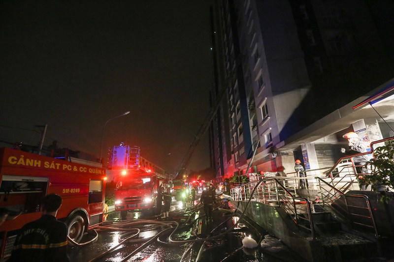 Nghệ sĩ Việt bày tỏ sự xót xa với các nạn nhân trong vụ cháy chung cư Carina Plaza - Ảnh 1