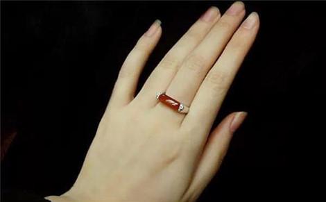 Phụ nữ có bàn tay này sẽ lấy được chồng tài giỏi, cả đời hưởng phú quý - Ảnh 1