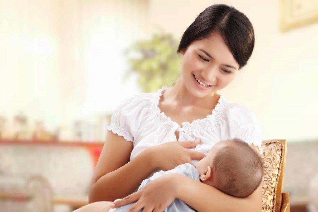 Sữa mẹ là cần thiết và tốt nhất dành cho trẻ sơ sinh