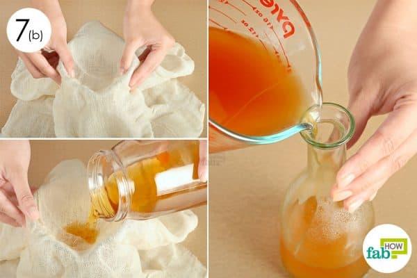 Khi đã đạt được hương vị mong muốn thì các bạn lại lọc lần nữa và chiết nước giấm táo sang một bình mới