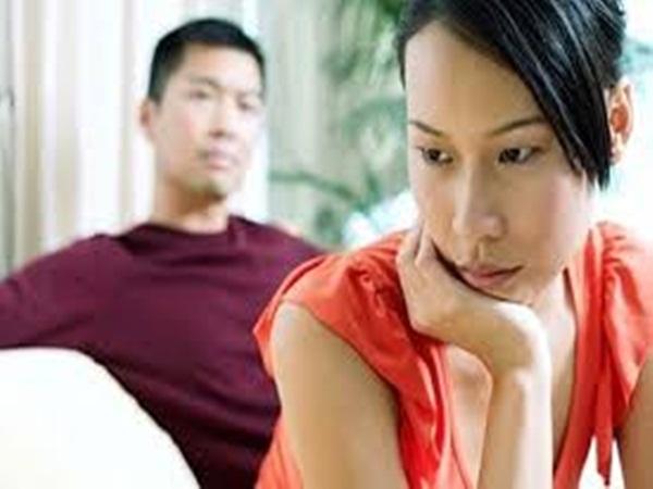 Sinh con xong tôi muốn gần gũi chồng hơn mà bị anh thờ ơ - Ảnh 1