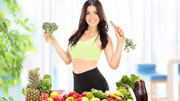 Ăn uống kết hợp tập thể dục giúp chị em có thân hình đẹp tỉ lệ thuận với chuyện