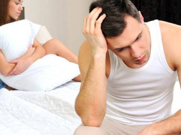 Quan hệ không xuất được tinh khiến nam giới bứt dứt khó chịu