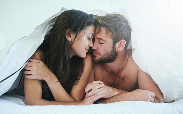 Tuần suất yêu của đàn ông thay đổi theo tuổi tác
