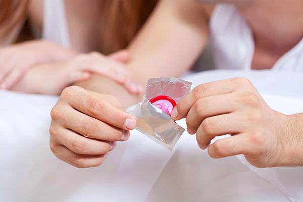 Vẫn có thể quan hệ trong khi tiêm phòng ung thư cổ tử cung như phải sử dụng biện pháp an toàn