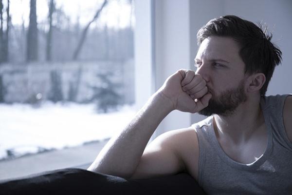 Áp lực tâm lý cũng tự nhiên khiến nam giới bị yếu sinh lý