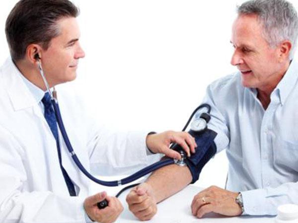Người cần đi thăm khám để bác sĩ đưa ra phác đồ điều trị phù hợp