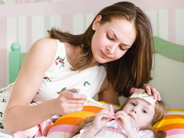 Bệnh sốt xuất huyết ở trẻ em có thể lây truyền người sang người