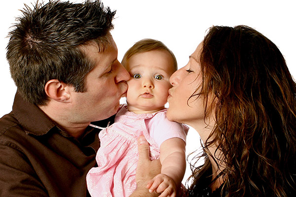 Bố mẹ có má lúm đồng tiền thì tỉ lệ trẻ có má lúm sẽ cao