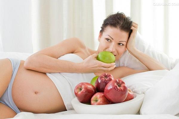 3 tháng mẹ bầu cần đảm bảo ăn đầy đủ dinh dưỡng để tốt cho sự vượt cạn