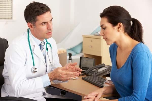 Cần đi khám thường xuyên để phát hiện hiện tượng hồ huyết bánh nhau