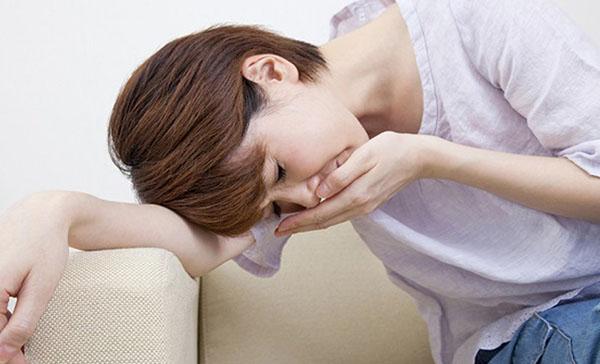 Ốm nghén là tình trạng mẹ bầu thường gặp trong 3 tháng đầu thai kỳ
