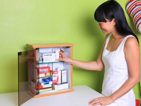 Chuẩn bị tủ thuốc trong nhà để dùng khi cần thiết