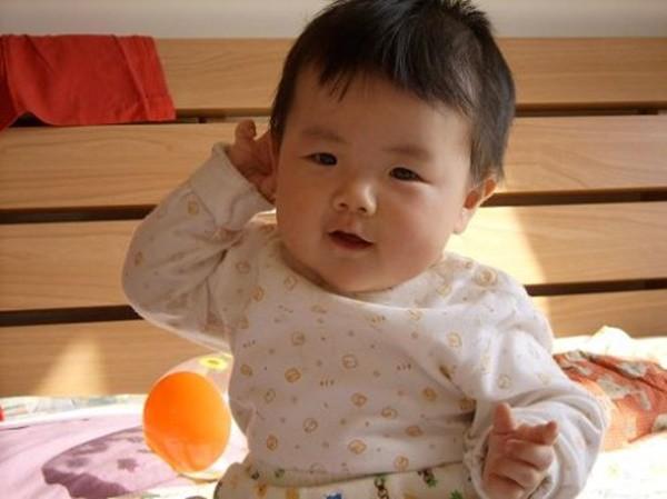 Bác sĩ Nhi chỉ ra những hành động bình thường của trẻ nhưng có thể khiến cha mẹ hốt hoảng  - Ảnh 2