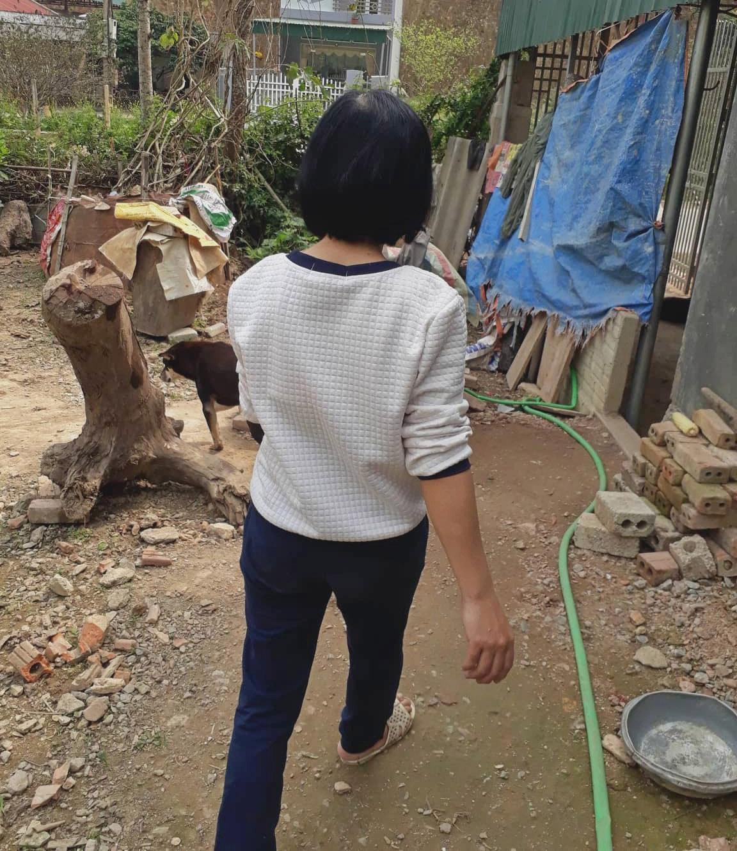 Người phụ nữ phát hiện thi thể nữ sinh giao gà ở Điện Biên: Không ngờ chồng bị bắt vì liên quan đến vụ án - Ảnh 2