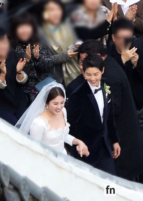 Vì sao Song Hye Kyo - Song Joong Ki bị đồn ngoại tình và ly hôn? - Ảnh 4