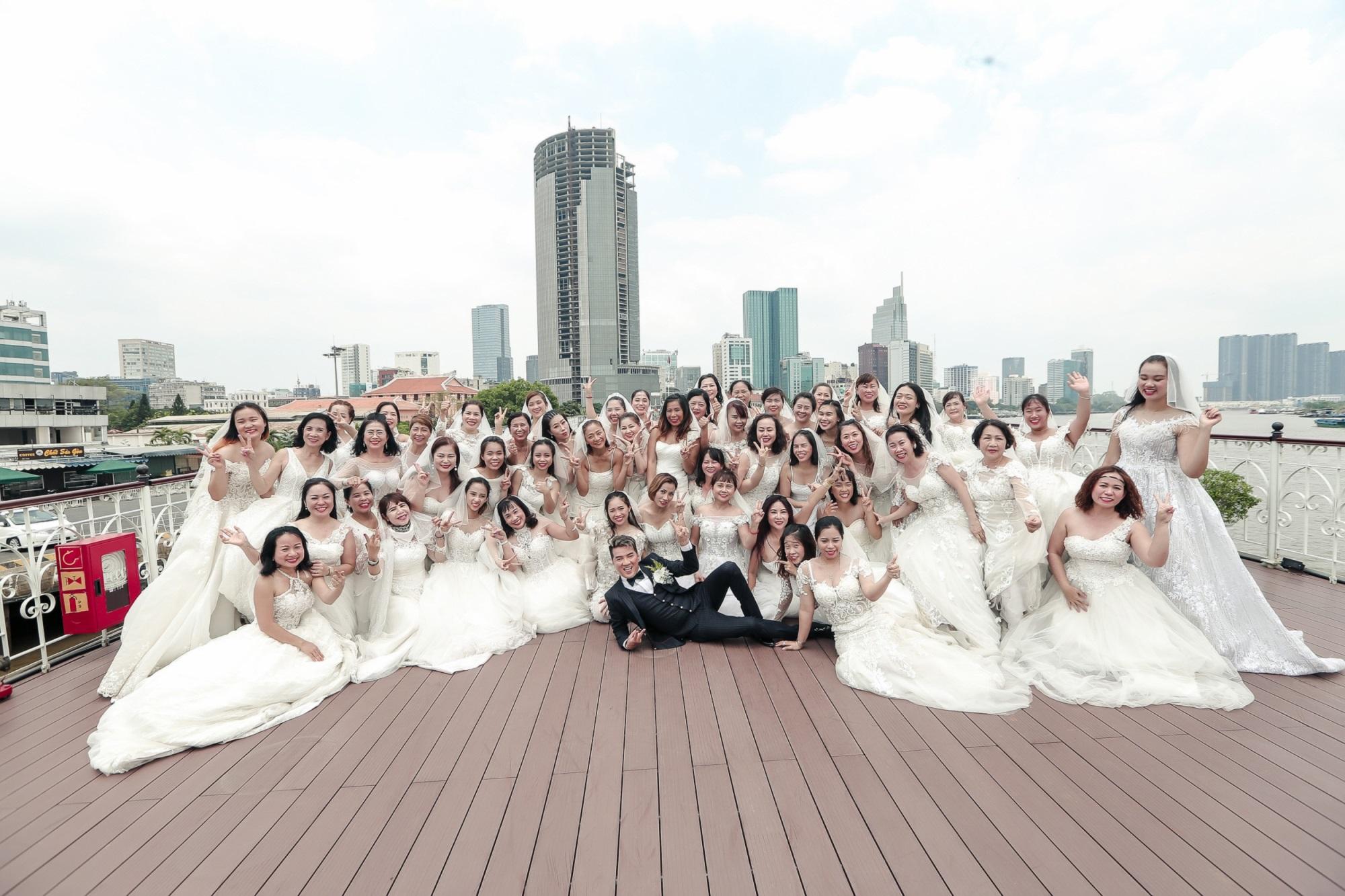 Đàm Vĩnh Hưng sắp lên xe hoa vì có 50 cô dâu theo đuổi? - Ảnh 3