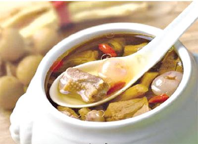Món canh thịt ngỗng nấu bóng cá rất tốt cho sức khỏe hệ xương khớp