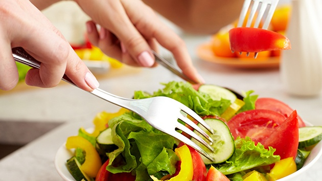 Không cần ăn kiêng, những thói quen ăn uống này sẽ giúp bạn có cân nặng lý tưởng (P2) - Ảnh 2