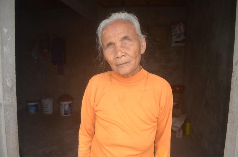 Số phận bi đát của người đàn bà mù hơn 70 năm sống cô quạnh trong căn nhà nhỏ bên cánh đồng - Ảnh 1