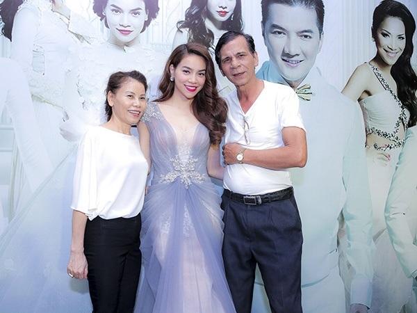Hồ Ngọc Hà nổi tiếng giàu có nhất nhì showbiz nhưng cuộc sống của bố mẹ nữ ca sĩ khiến nhiều người không thể tin nổi - Ảnh 2