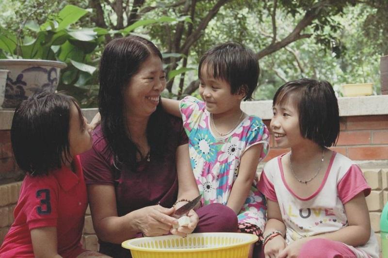 'Đã đến lúc người Việt Nam chúng ta giúp đỡ trẻ em Việt Nam' - Ảnh 1