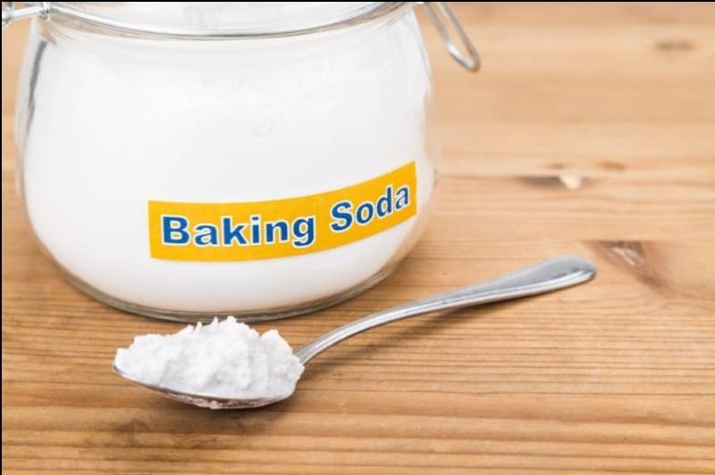 Dưỡng da trắng hồng tự nhiên, sạch mụn với baking soda và nước