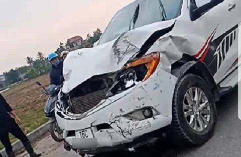Đâm 2 HS tử vong, ô tô bỏ chạy gây tai nạn liên tiếp - Ảnh 1