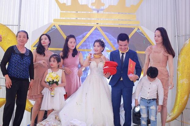 Đám cưới siêu khủng ở Nghệ An bị chê quá phô trương, chú rể đáp trả câu này khiến cư dân mạng câm nín! - Ảnh 3