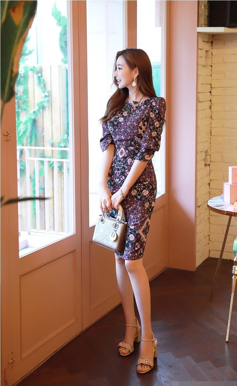 Thiết kế đầm hoa đẹp, thanh lịch dành riêng cho quý cô công sở