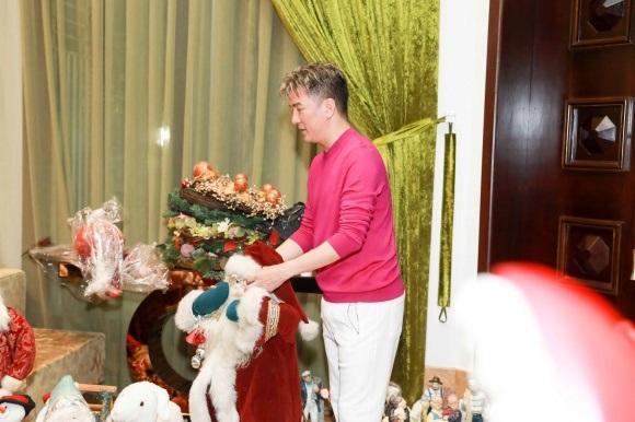 Đánh dấu năm 2017 thành công, Đàm Vĩnh Hưng chi tiền khủng sắm đồ trang trí Giáng sinh từ nhiều nơi trên thế giới - Ảnh 5