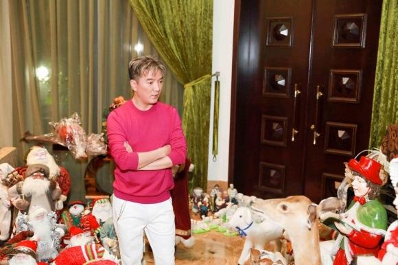 Đánh dấu năm 2017 thành công, Đàm Vĩnh Hưng chi tiền khủng sắm đồ trang trí Giáng sinh từ nhiều nơi trên thế giới - Ảnh 4