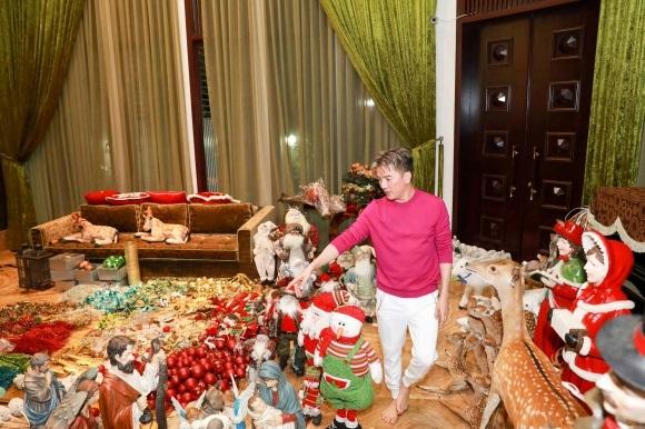 Đánh dấu năm 2017 thành công, Đàm Vĩnh Hưng chi tiền khủng sắm đồ trang trí Giáng sinh từ nhiều nơi trên thế giới - Ảnh 6