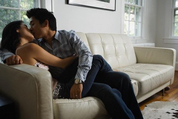 Đàn ông đã có vợ sẽ dùng 4 chiêu sau để ngoại tình, chị em hãy tỉnh táo kẻo bị gạt - Ảnh 1