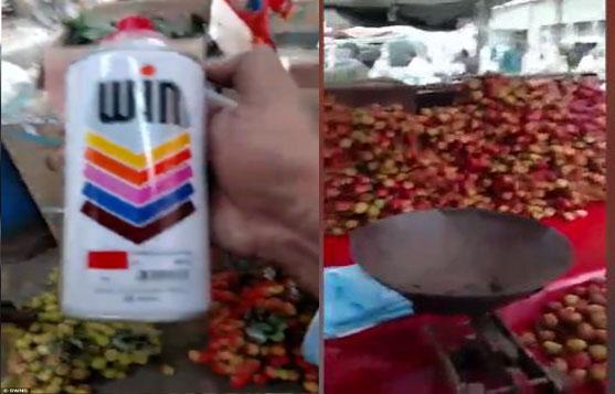 Nữ du khách bắt quả tang người bán hàng phun sơn biến nho xanh thành đỏ - Ảnh 2