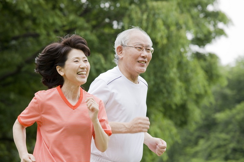 Duy trì thói quen vận động kết hợp chế độ ăn uống lành mạnh sẽ đẩy lùi nguy cơ đau tim, đột quỵ