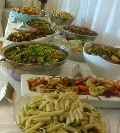 Dâu rể đãi tiệc cưới bằng thực phẩm hết hạn của các siêu thị - Ảnh 2