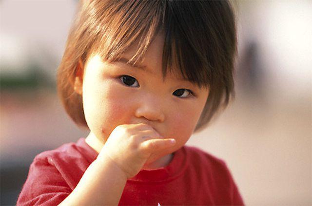 Bé 6 tuổi bị ngứa hậu môn, bác sĩ hốt hoảng lôi ra thứ 'kinh dị' trẻ nhỏ dễ mắc - Ảnh 3