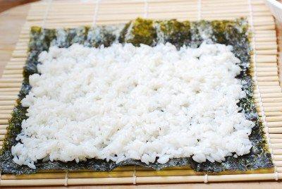 Cơm cuộn cá ngừ đầy hấp dẫn - Ảnh 2