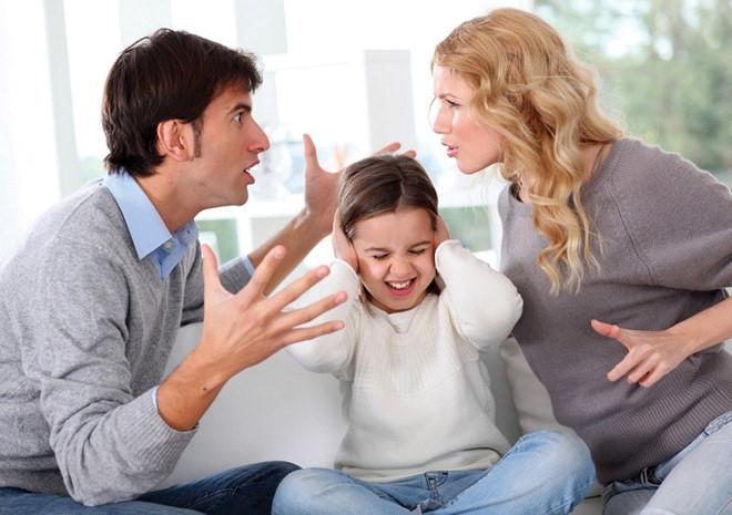 Cha mẹ cãi nhau ảnh hưởng như thế nào đến sự phát triển của trẻ? - Ảnh 2