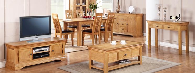 Một trong những công dụng của dầu ăn là giúp đồ nội thất không bị khô nứt, luôn bền đẹp
